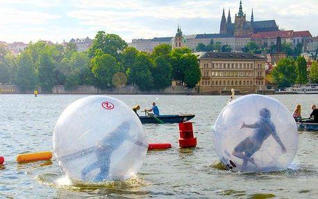 Water zorbing na Vltavě – proběhněte se v kouli