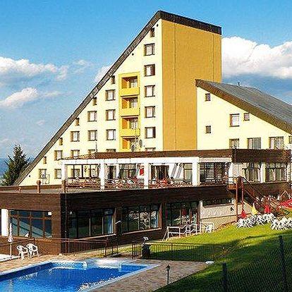 3–4denní pobyt pro 2 osoby s polopenzí v Bílých Karpatech v hotelu Jelenovská