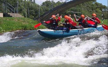 Skvělý adrenalinový rafting v Liptovském Mikuláši zachycen náhlavní kamerou.