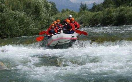Raftingové dobrodružství na nejdravější řece Belá zachycené HD videem.