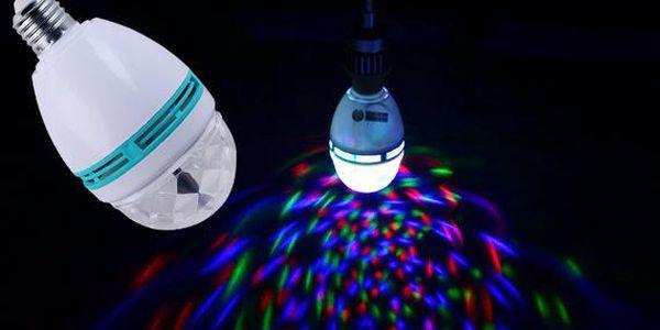 Barevná rotující LED žárovka
