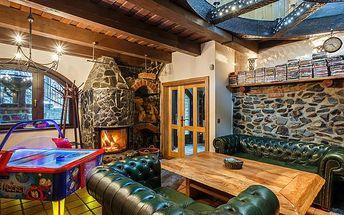 Pronájem plně vybavené chaty Medvědí skála na 5 dní až pro 10 osob pro nejnáročnější klienty. Vířivka a sauna, krb s udírnou, X-box, Playstation, vybavená kuchyň, velká zahrada a další možnosti vyžití v okolí Beskyd