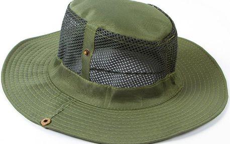 Letní klobouk na kempování