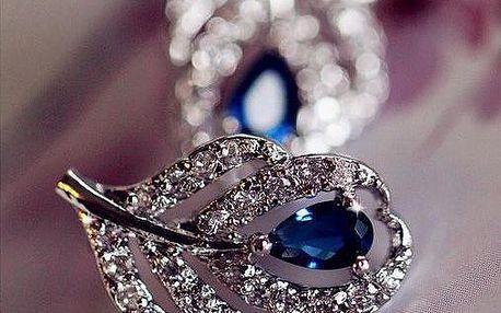 Decentní dámské náušnice se zirkony a modrým kamínkem ve tvaru listu