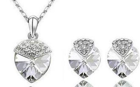 Jedinečná souprava šperků s kamínky ve tvaru jahody - řetízek s přívěskem a náušnice