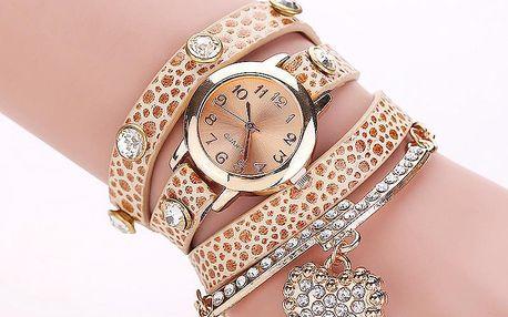 Dámské hodinky s dlouhým páskem a srdíčkovým přívěskem