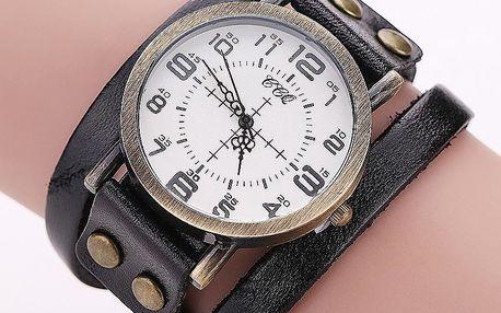 Antické vintage hodinky se stylovými rafičkami