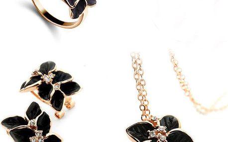 Luxusní sada dámských šperků se zlatým lemem - náušnice, prstýnek a řetízek s přívěskem ve tvaru květiny
