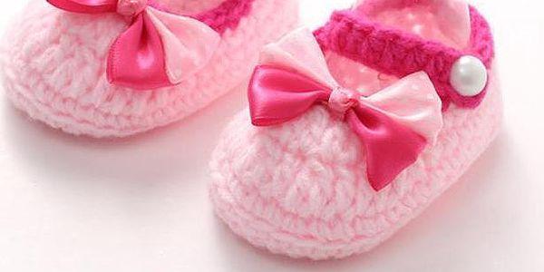 Roztomilé pletené papučky pro malé holčičky