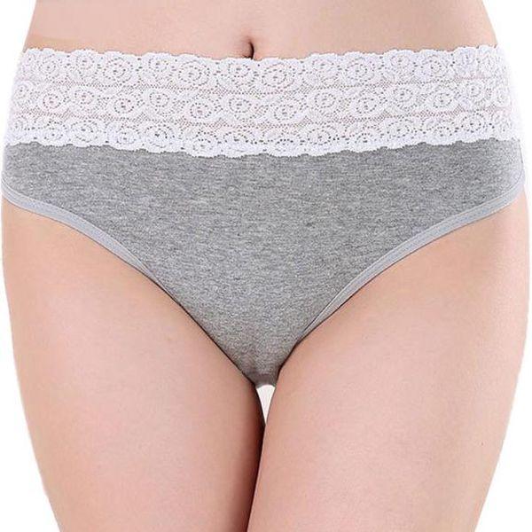 Dámské kalhotky se zvýšeným krajkovým pasem