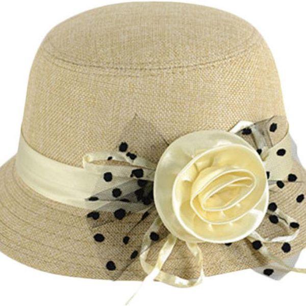 Dámský klobouk s ozdobnou stuhou a růží