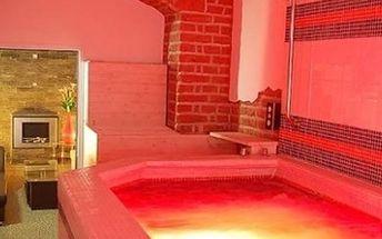 Vstup pro 2 osoby na 90 minut do luxusního wellnes centra v centru Prahy. Vířivka, sauna, bazének aj