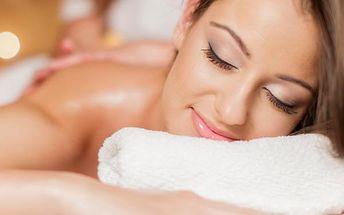 Regenerační masáž s parafínovým zábalem v salonu Bamizi. 30 minut masáž 30 minut parafínový zábal.