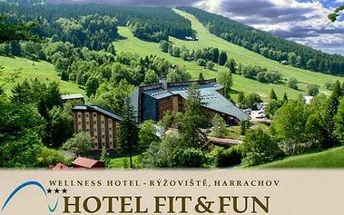 LAST MINUTE ve Wellness Hotelu Fit Fun*** s polopenzí a bazénem pro dva, s platností do 30. 6. 2016