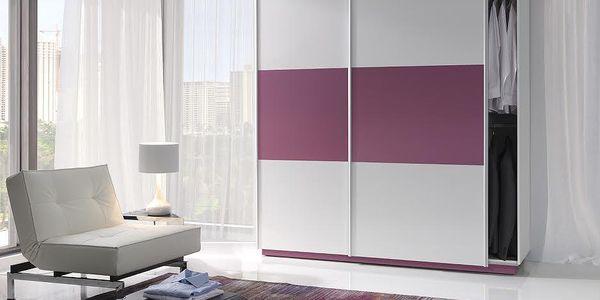 Moderní šatní skř™ín Mario, bílá/fialová