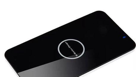 Kompaktní bezdrátová nabíječka pro mobilní telefony