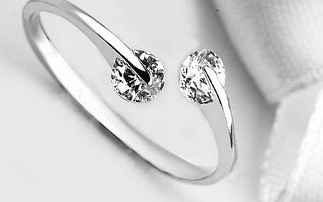 Dámský prstýnek se dvěma čirými kamínky - dodání do 2 dnů