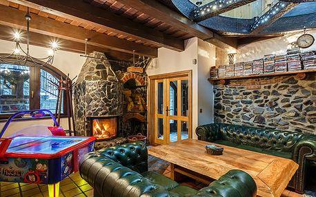 Pronájem plně vybavené chaty Medvědí skála až pro 10 osob pro nejnáročnější klienty na 4 až 5 dní. Vířivka a sauna, krb s udírnou, X-box, Playstation, vybavená kuchyň, velká zahrada a další možnosti vyžití v okolí Beskyd