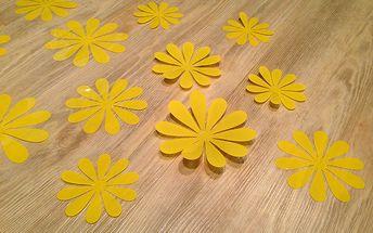 Nalepte.cz 3D květy na zeď žluté 12 ks průměr 7,6 cm až 11 cm