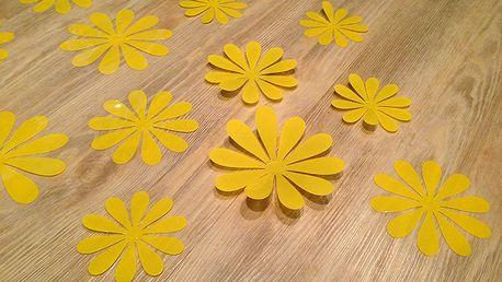 3D květy na zeď žluté 12 ks průměr 7,6 cm až 11 cm
