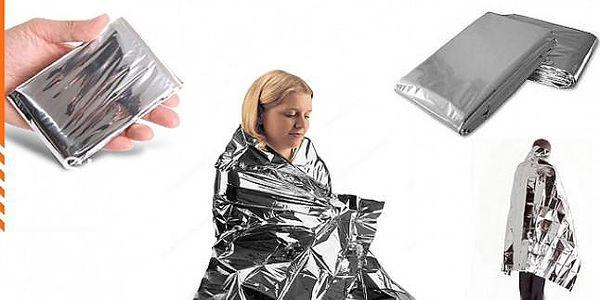 Pohliníkovaná větruvzdorná a nepromokavá nouzová deka, vyrobeno z unikátního reflexního materiálu, udržuje až 80% tepla!