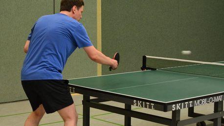 Nejvyšší čas vyzvat přátele na ping pong: Hodina ve Stepu za 75 Kč!