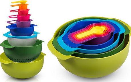 9dílná kuchyňská sada univerzálních misek Luoke®. Praktická, prostorově úsporná a obsahuje škálu 9 pomocníků pro pečení, přípravu salátů a vaření. Využijte naplno inovativní koncept 9in1. Exkluzivně na NewGo.cz