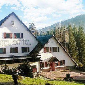 3 až 7denní pobyt pro 2 s polopenzí a odpolední kávičkou v hotelu Antýgl na Šumavě