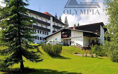 4denní pobyt ve Sporthotelu pro dva s polopenzí, zapůjčení nordic walking holí, fitness, káva aj.