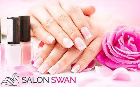 71% sleva na kompletní modeláž nehtů v Salon Swan