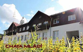 Ubytování v Chatě Mládí pro 2 osoby se snídaní nebo polopenzí na šumavském Zadově