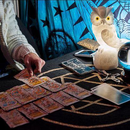Telefonický nebo osobní výklad Tarotu Magického Měsíce v délce 30 nebo 60 minut.