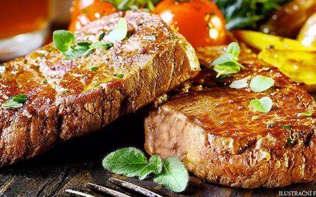2 steaky z argentinského býčka, příloha a víno