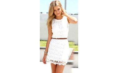 Bílé šaty s krajkou Janine!