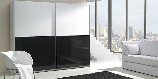 Elegantní šatní skříň s posuvnými dveřmi LUX 5 lesk