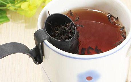 Praktický filtr na sypaný čaj