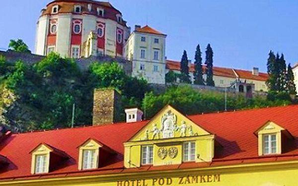 Pobyt s výhledem na zámek Vranov pro DVA s polopenzí na 3 a více dní