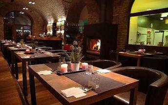 30% sleva na veškerá jídla i nápoje v Restauraci Uhelna