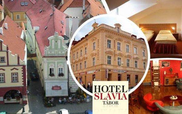 Pobyt v srdci jižních Čech v hotelu Slávia Tábor pro 2 osoby na 3 dny s bohatými snídaněmi, kávou a zákuskem. Děti do 6 let zdarma.Užijte si dovolenou ve městě se slavnou historií a nádhernou přírodou a spoustou zajímavostí v okolí.