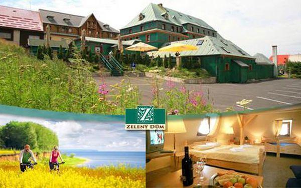 Léto v Krušných horách s polopenzí a slevou do aquaparku v hotelu Zelený Dům