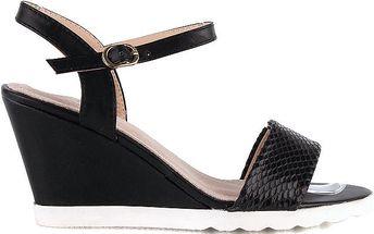 Černé stylové sandály na klínku