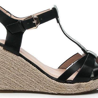 Černé letní sandálky na klínku