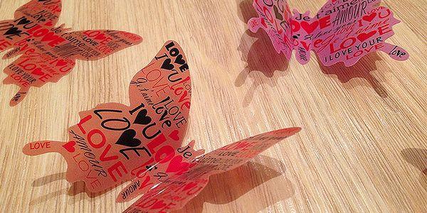 3D dekorace na zeď motýlci růžoví love 12 ks 5 až 12 cm