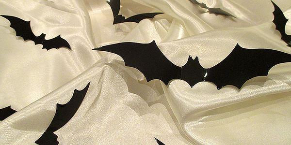 3D dekorace netopýři na zeď černá 12 ks 16,5 x 4 cm