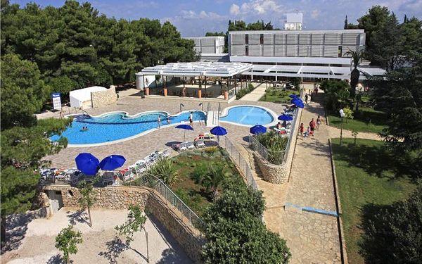 Chorvatsko - Šibenik na 6 až 8 dní, polopenze s dopravou vlastní 50 m od pláže