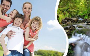 Letní dovolená v Penzionu Pod Pralesem s polopenzí na 6 dní, dětským koutkem, minifarmou, hřištěm.