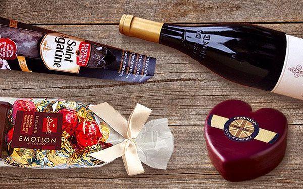 Balíčky delikates s francouzským vínem