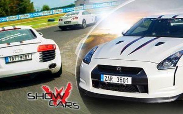 Závodní den se supersporty na polygonu Showcars. Jízda ve 3 závodních autech dle výběru s instruktáží!