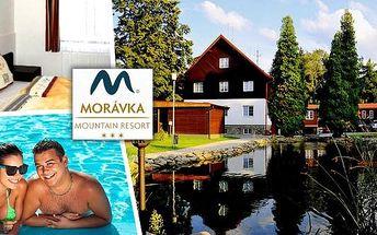 Relaxační pobyt pro dva na 3 dny v Morávka Resortu Beskydy s polopenzí a vstupy na venkovní koupaliště s atrakcemi přímo v resortu nebo do vnitřního bazénu se slanou vodou. Čistý horský vzduch a pohádková panoramata Beskyd jsou neodolatelná kombinace.