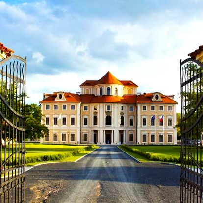 Léto na zámku Liblice s wellness pro dva